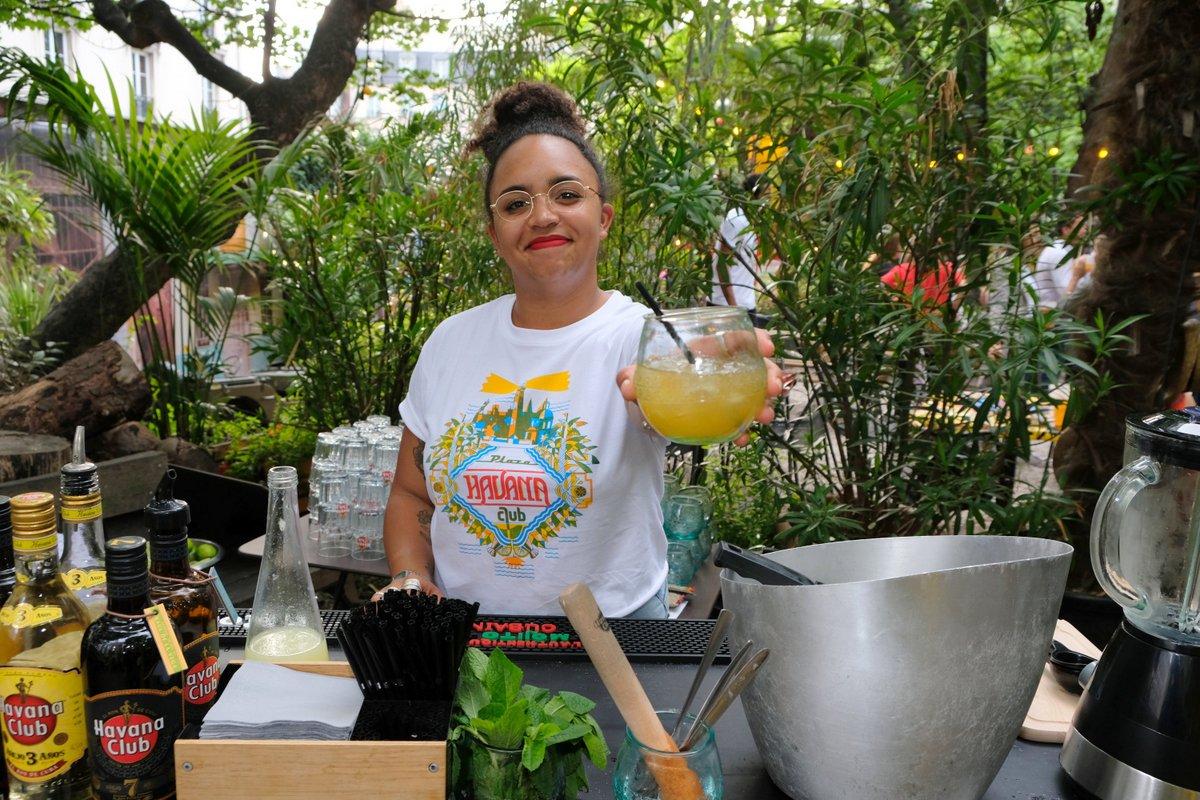 Cancha avec du miel et du Citron et l'iconique Havana Club 7 ( avec moderation)
