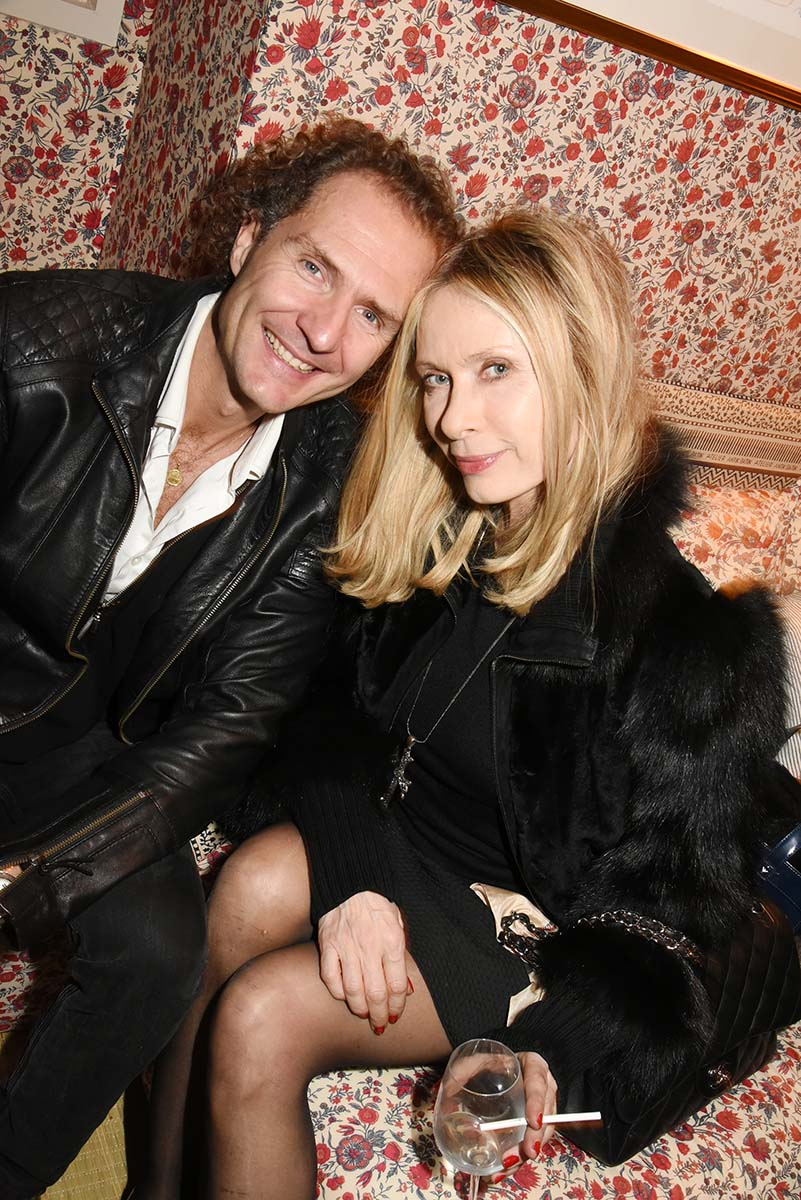 Valerie ou Julie Nico Mereau prefere les blondes