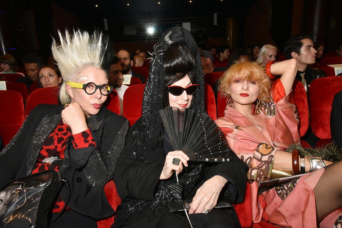 Orlan Diane Pernet et Baba en mode front row Queens