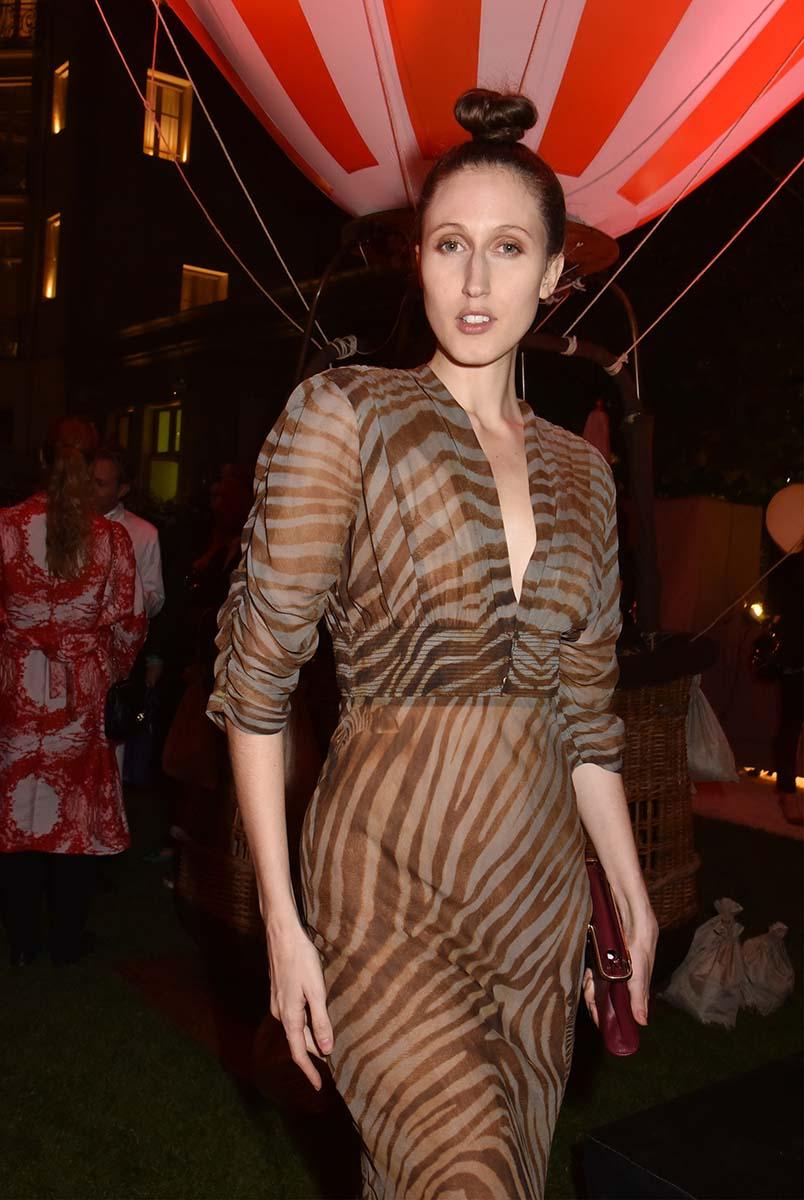 La model Anna Cleveland en pleines formes