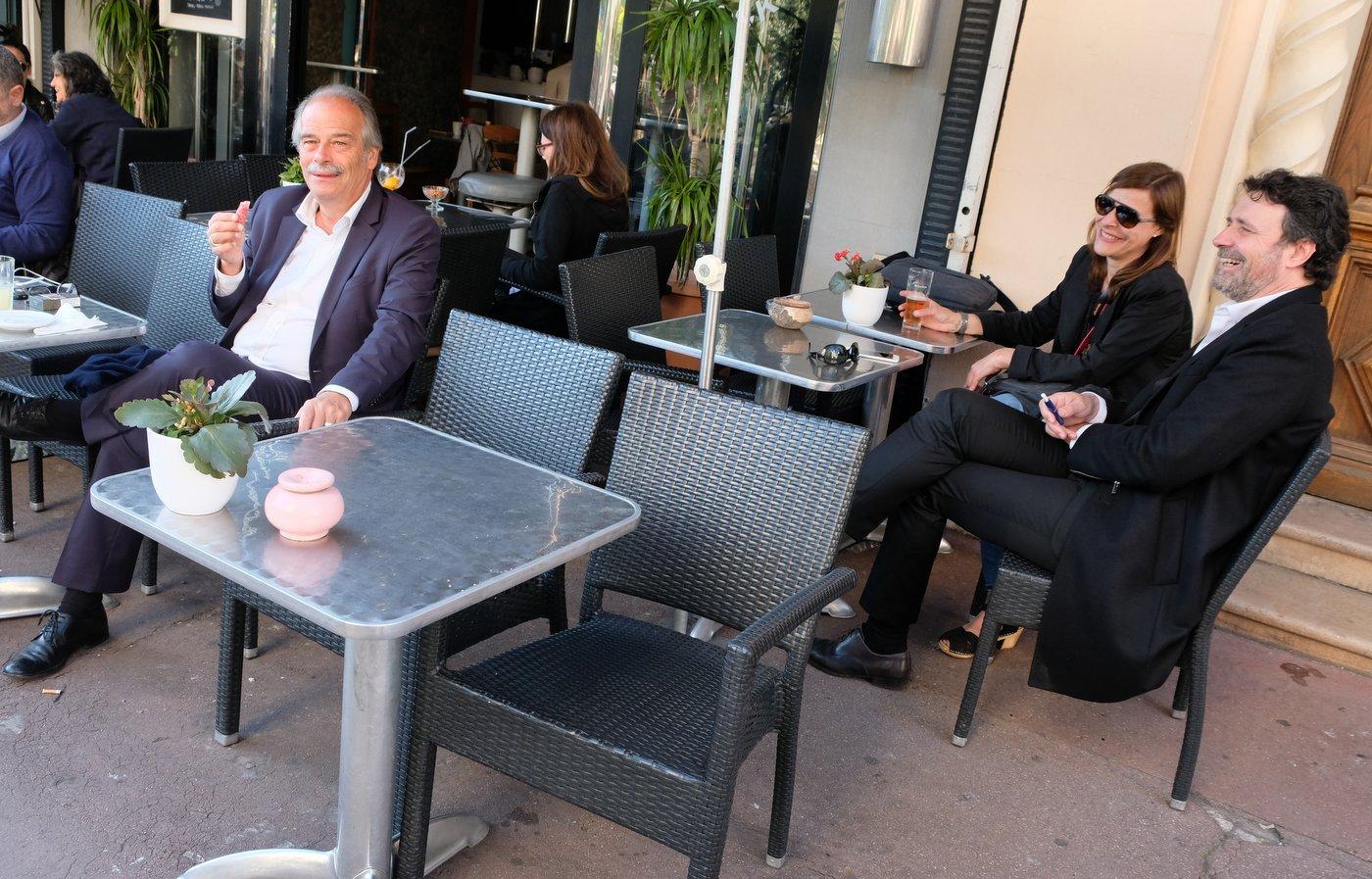 En Terrasse Lavoignat parlera t il a Christophe Carriere du film Moldave? Cannes 6 eme jour...