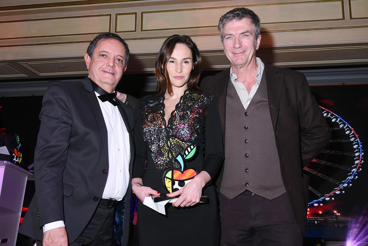 Vanessa Demouy resplendit dans son ecrin entre Edouard Nahum et Phil Caroit