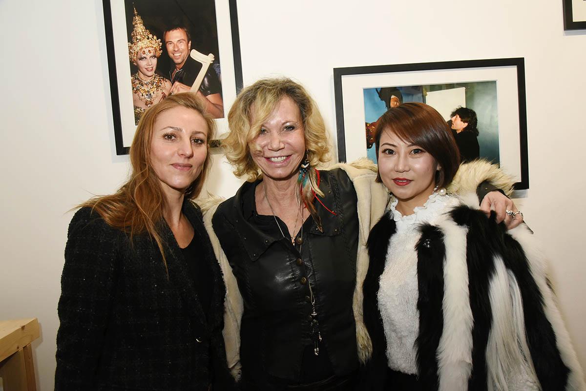 Isabelle Theviot Fiona Gelin et Mandy Ophelie Zhang sont fans de Suzanne Bartsch et de Thierry Mugler