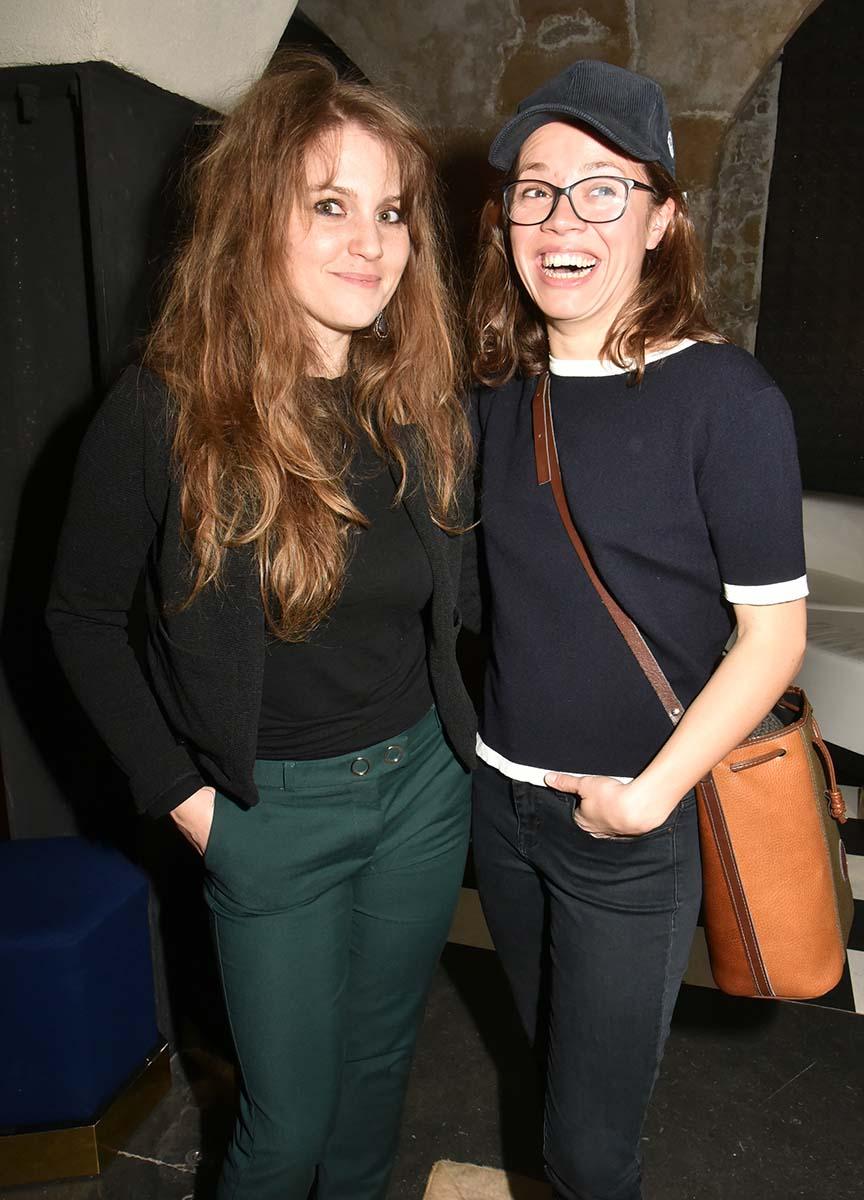 Leontine et Manon Gallet Les nanas de technikart ont la tete bien pleine et bien faite