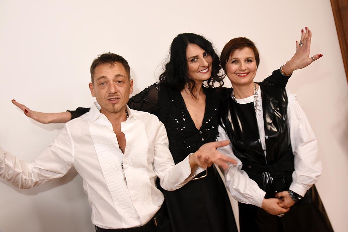Avec Yassen Samouilov et Livia Stoianova Sylvie Ortega en mode Shiva moi plutot en mode Shivass
