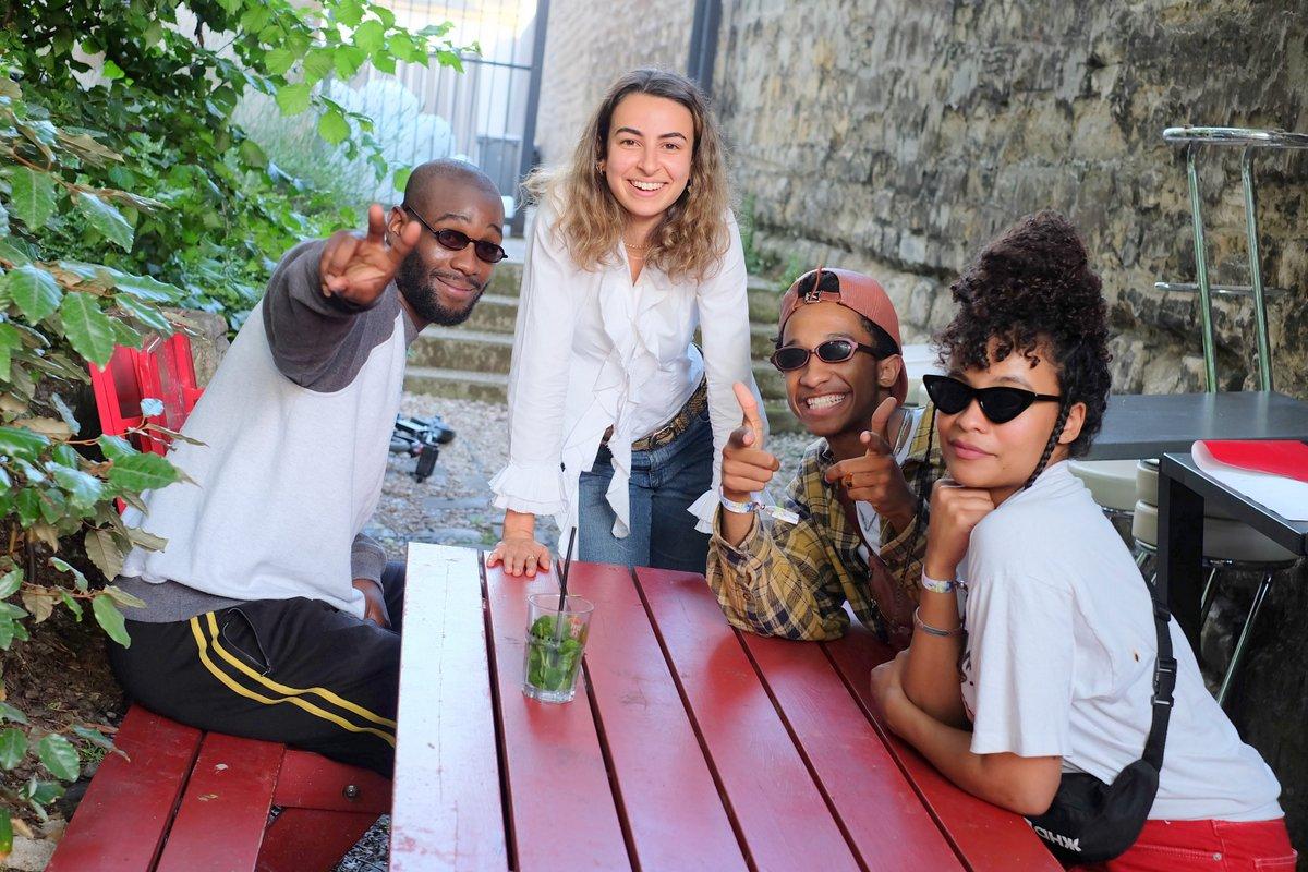 Danitsa et son crew avant de passer sur scène en mode Mojito