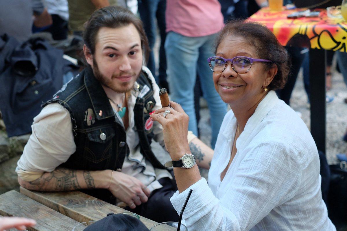 Arnaud part en Gréce et Carmen à..... CUBA
