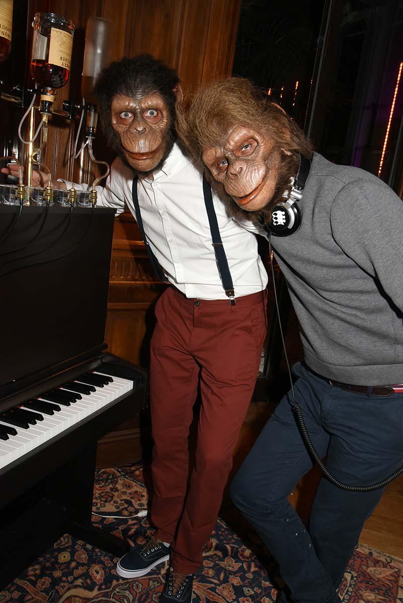 Tirez sur les pianists Monkeys