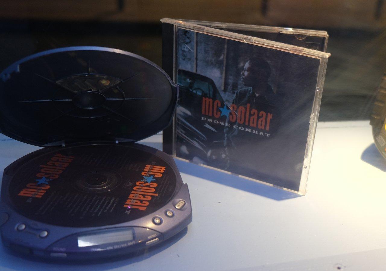 Speciale Dedicace a MC SOLAAR avec son album maudit introuvable sur les plateformes et dans les bacs a cause d une embrouille de masion de disque! Le nouveau western