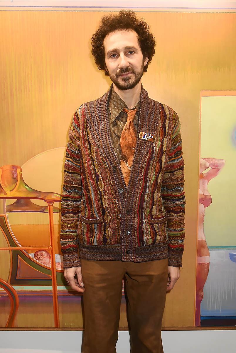 Jais Elalouf a mis une cravate assortie au tableau de Leonardo Cremonini