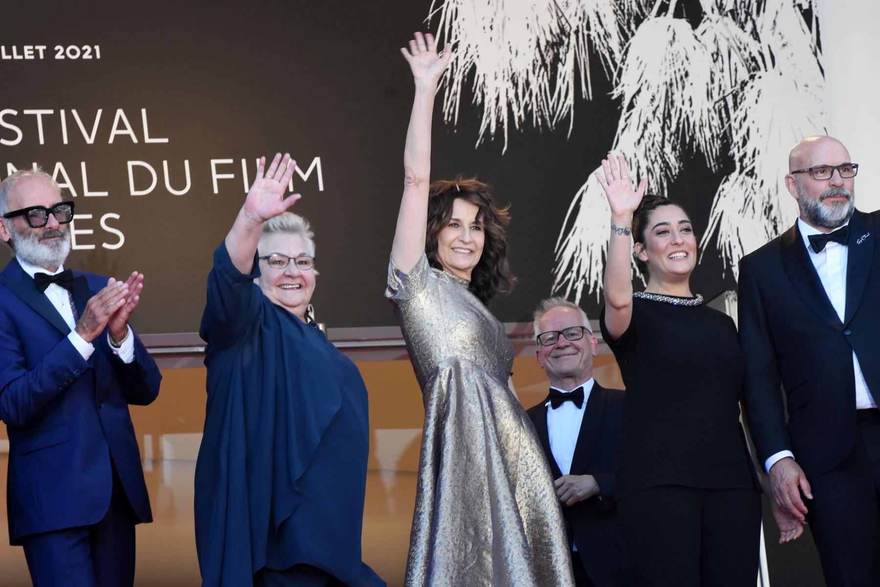 """Sous l'oeil de thierry Fremiaux le Team """"Aline"""" salue Cannes La Cannet et les environs"""