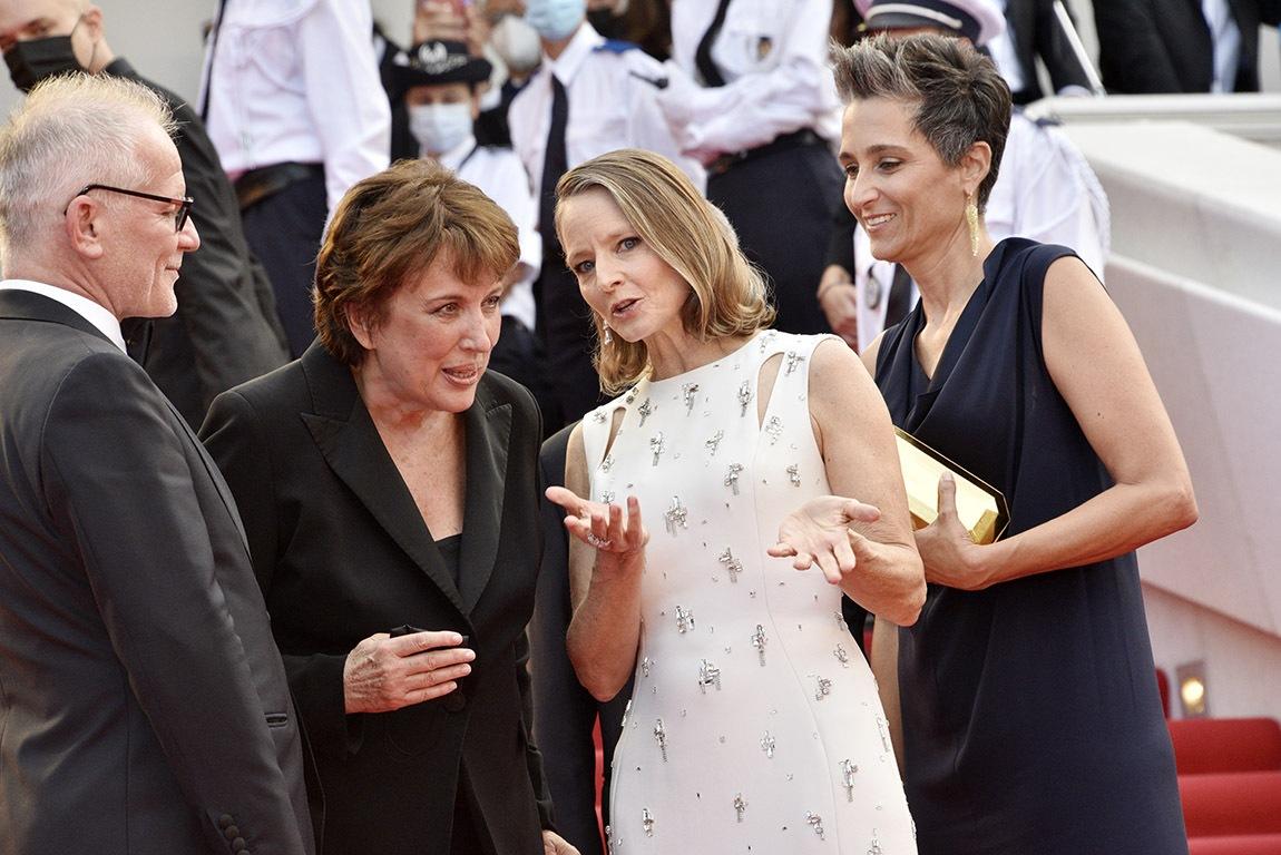 Jodie Foster papote litterature et litote avec Bachelotte