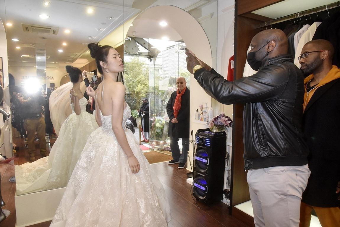 Vite un selfie avec la mariée