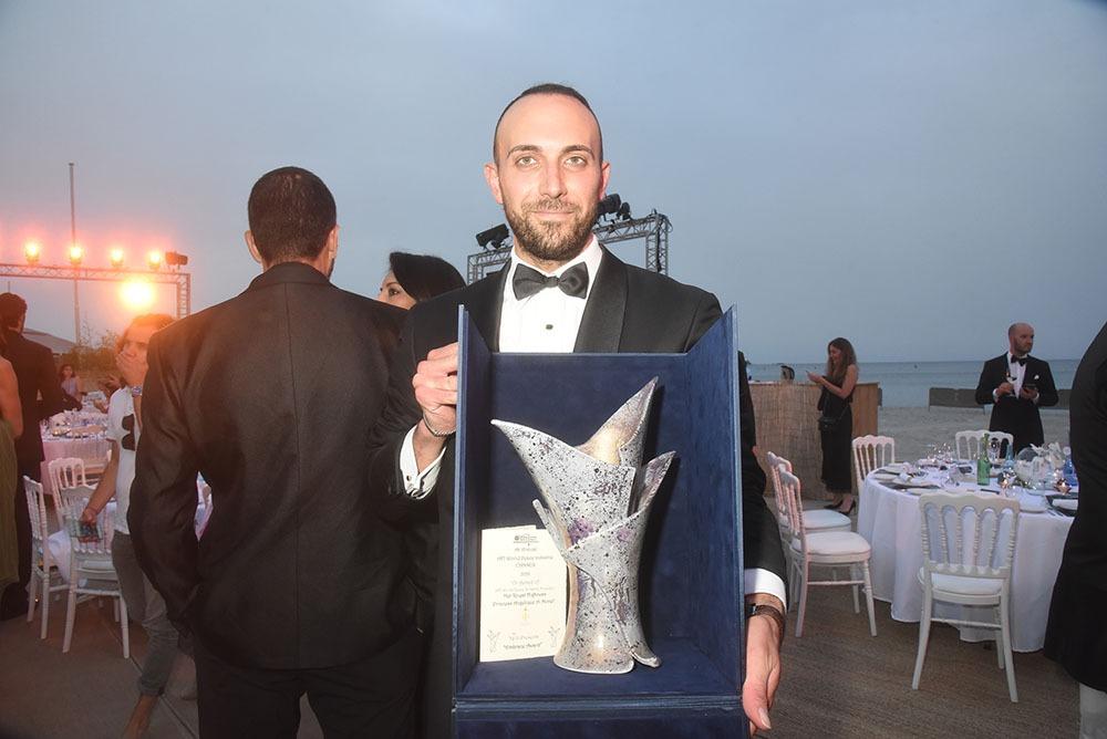 Lorenzo Giornelli a créé le trophée en céramique du Better World
