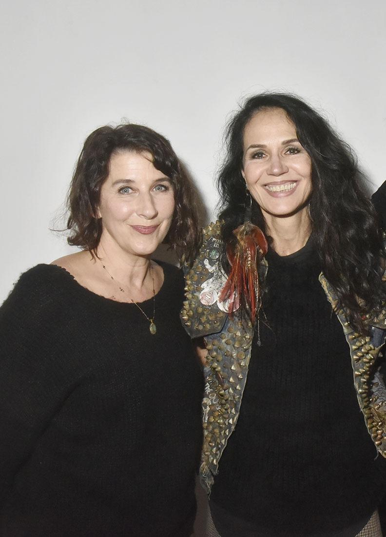 Isabelle Gelinas et Catherine Wilkening dans « les Brunes Ne Comptent Pas Pour Des Prunes »