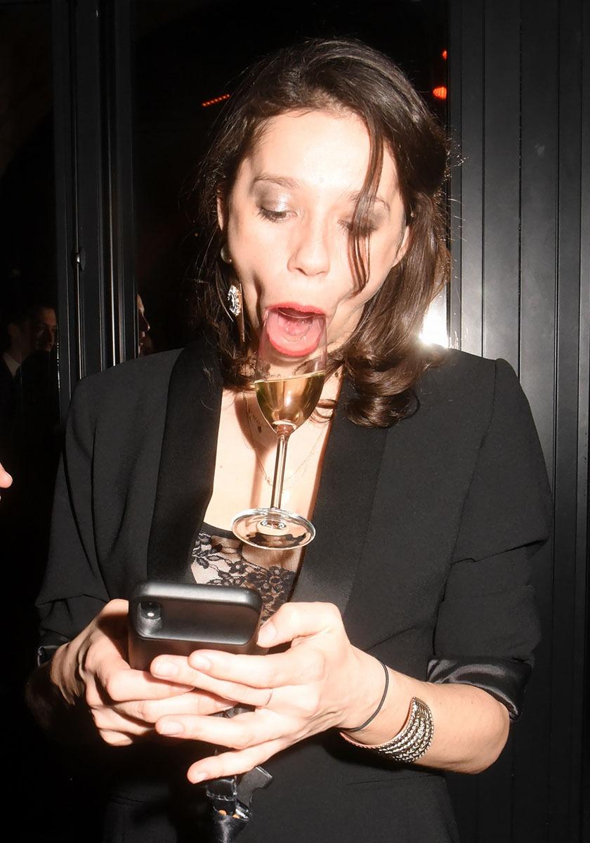 Oups! J'ai du effacer par erreur le nom de cette talentueuse actrice du Film «Le Champagne à La Bouche»