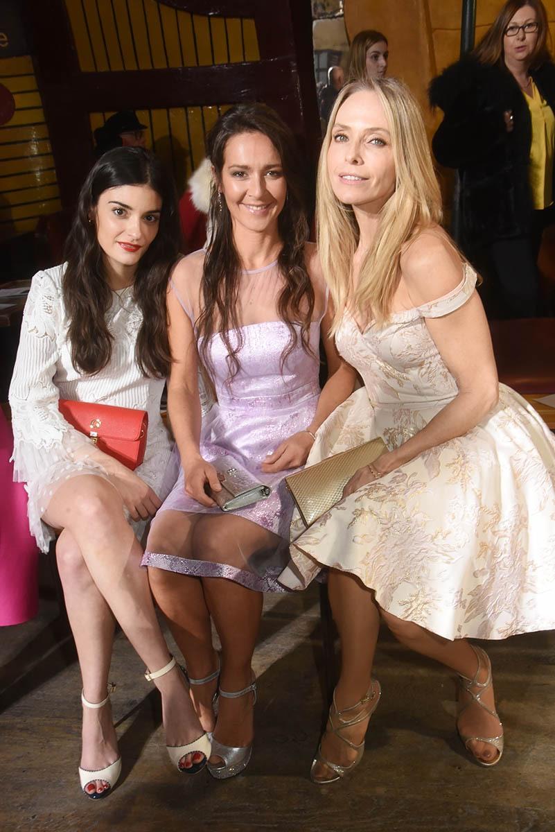 Eléonore Sarrazin, Emmanuelle Boidron et Tonya Kinzinger s'épanouissent en rang d'oignon