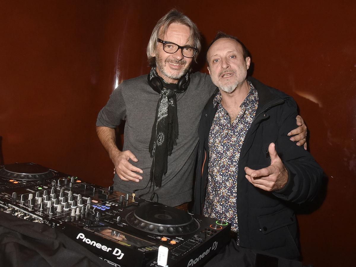 Les DJs Don Clemente et Lord Funk orchestrent les ballets aquatiques