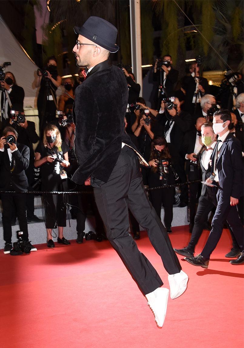 JR ne marche pas sur le red Carpet il Lévite A tout prix