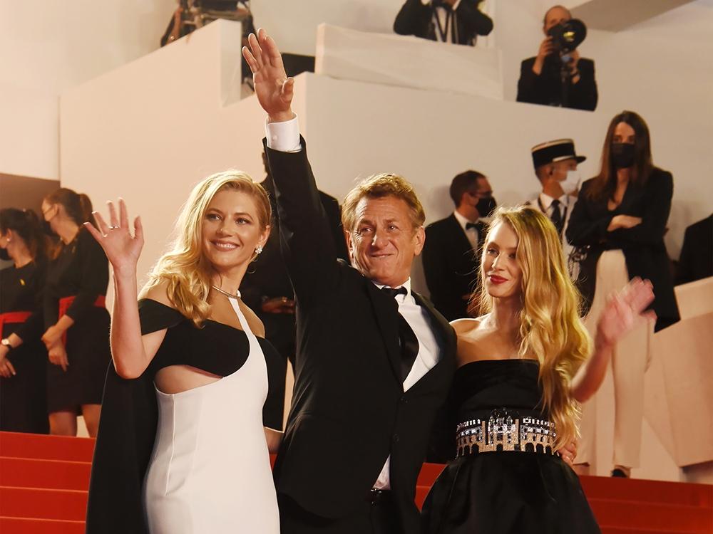 Agitez les flags Sean Penn est revenu à Cannes