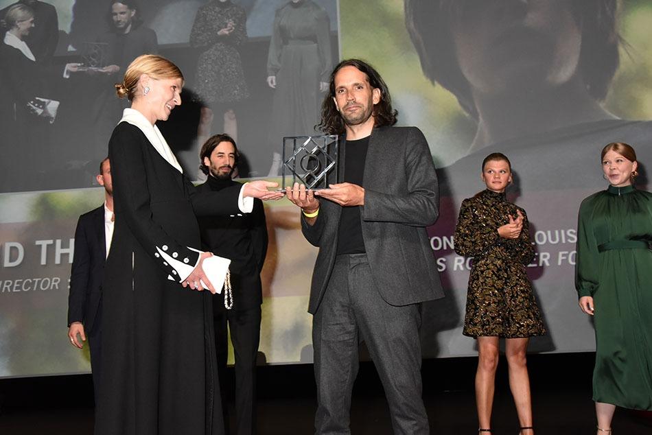 L'heureux Pascual Sisto recoit le prix du Jury par de Clémence Poesy  !