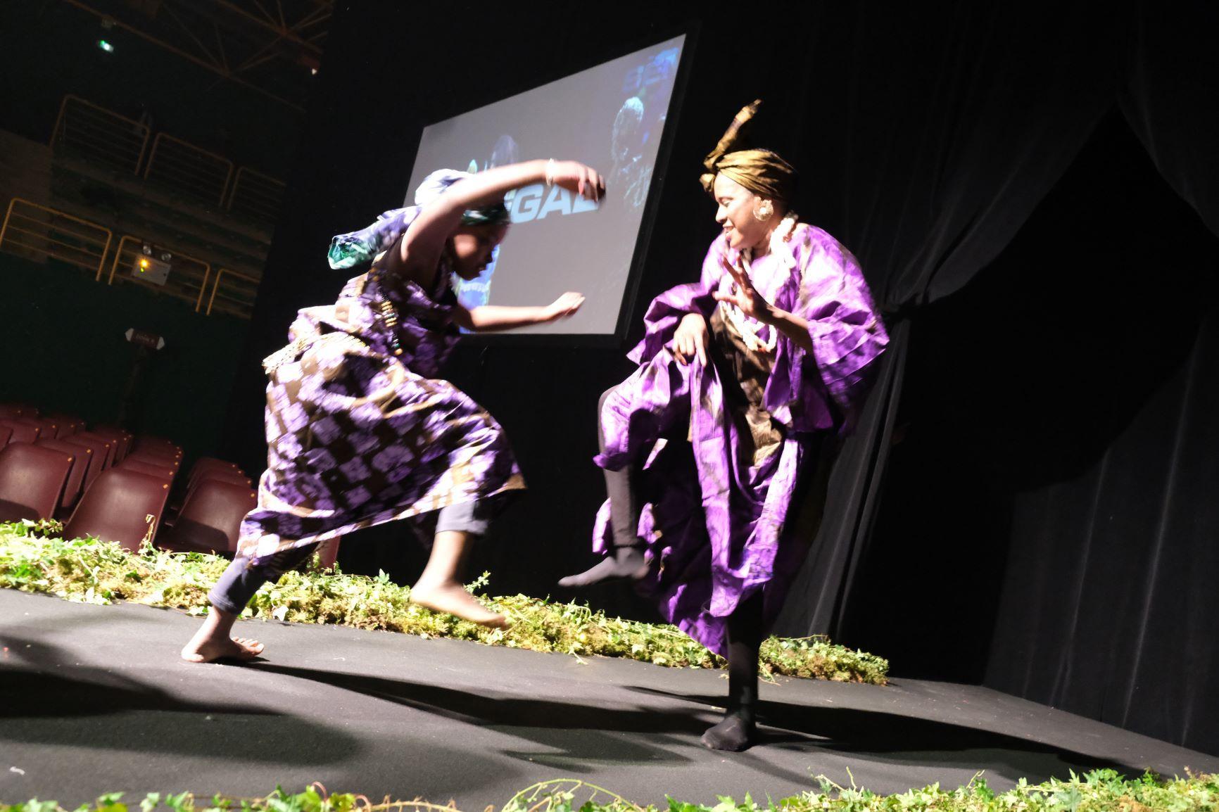 Sénegal toujours et le partage de la danse comme tradition