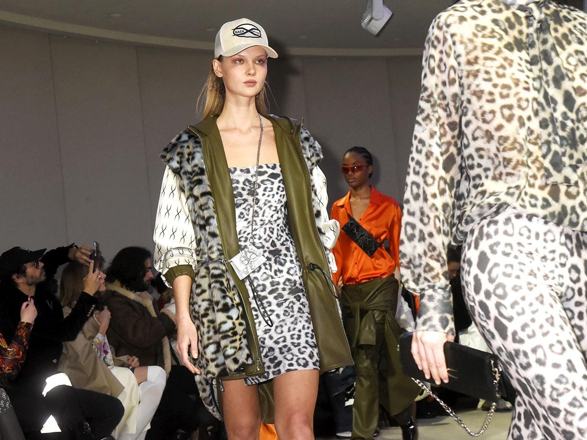 Je recherche plutot une Femme Giraffe