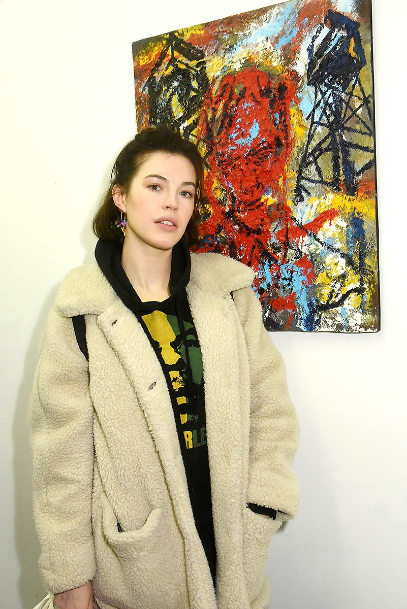 Dorca Copin est plus jolie en vraie que son portrait en peinture ah bon c'est pas elle? Euh Autant pour moi! Ben C'est de la faute à Jo dalton !