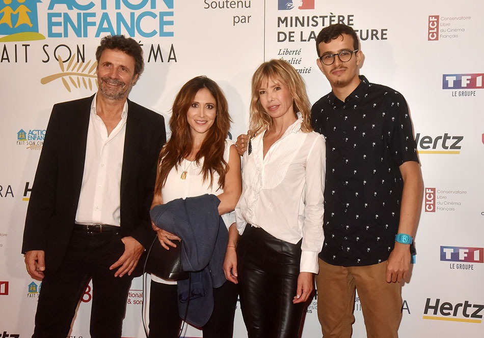 Christophe Carrière n'est pas maqué avec Fabienne Carat mais Romane Serda, c'est sûr  a trouvé son bonheur bien avec Pierre Yves Horel