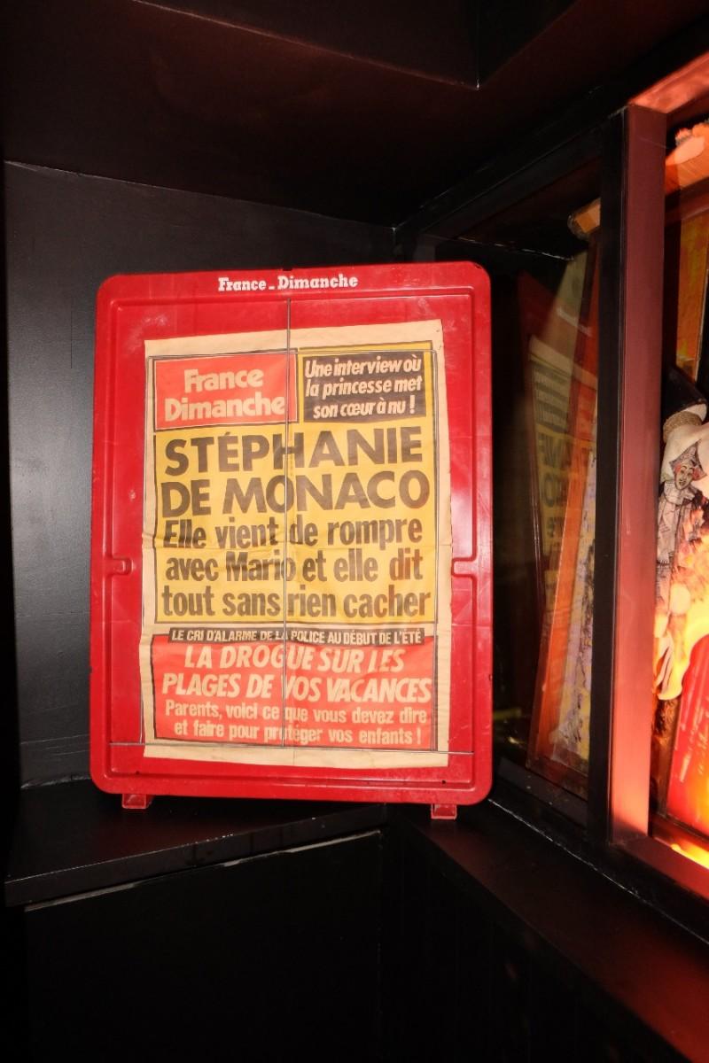 Dans le fumoir, c est la stupeur, Stéphanie veut rompre...  3615 france dimanche