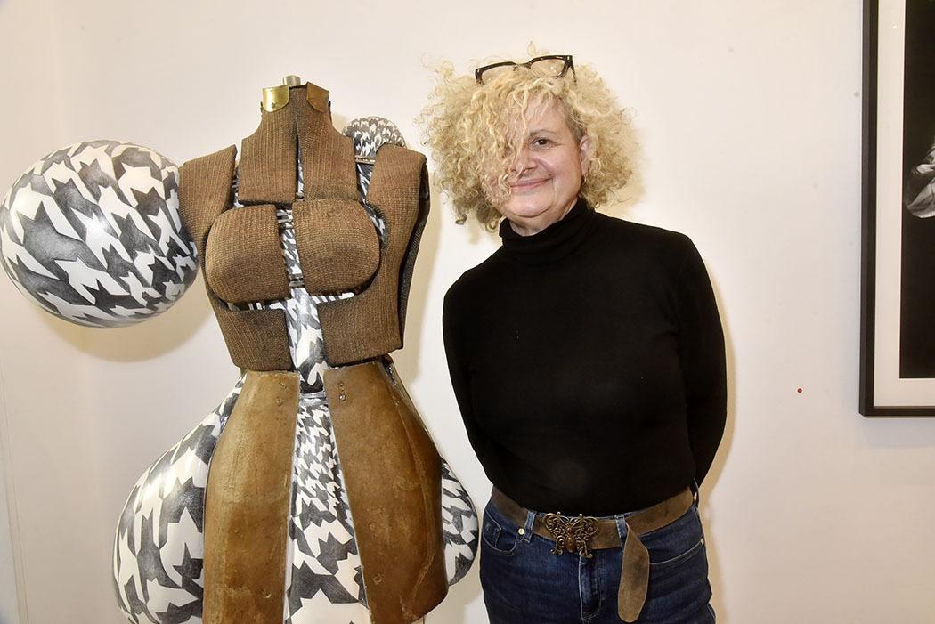 Expo Je Suis Le Resultat De Mes Bons Et Mauvais Choix à La H Gallery Corine Borgnet une sculpture