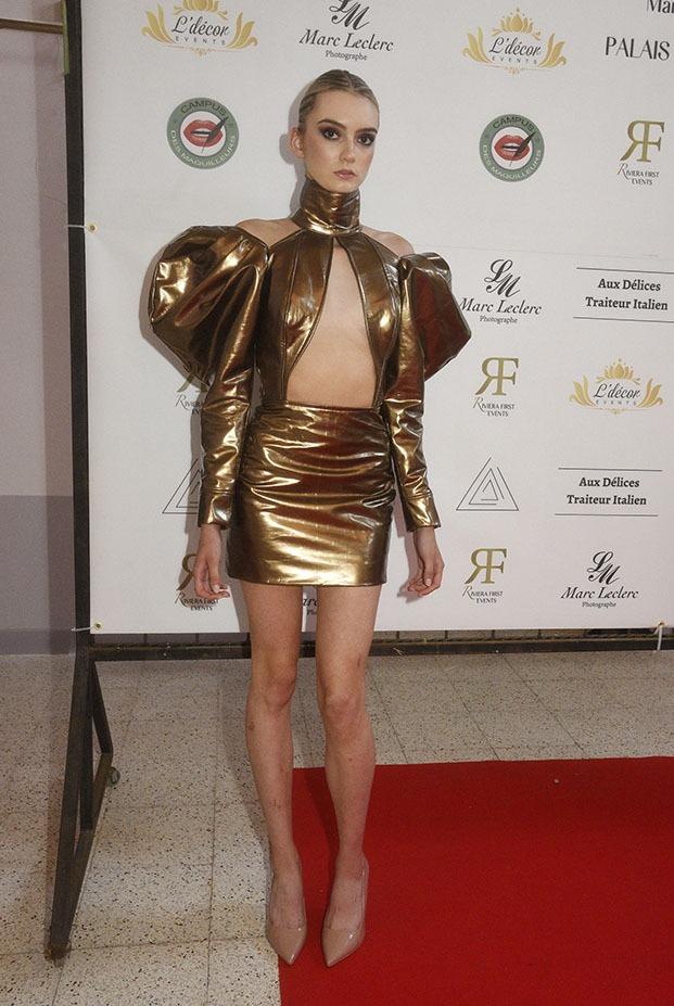 Une golden girl habillée par Zaady