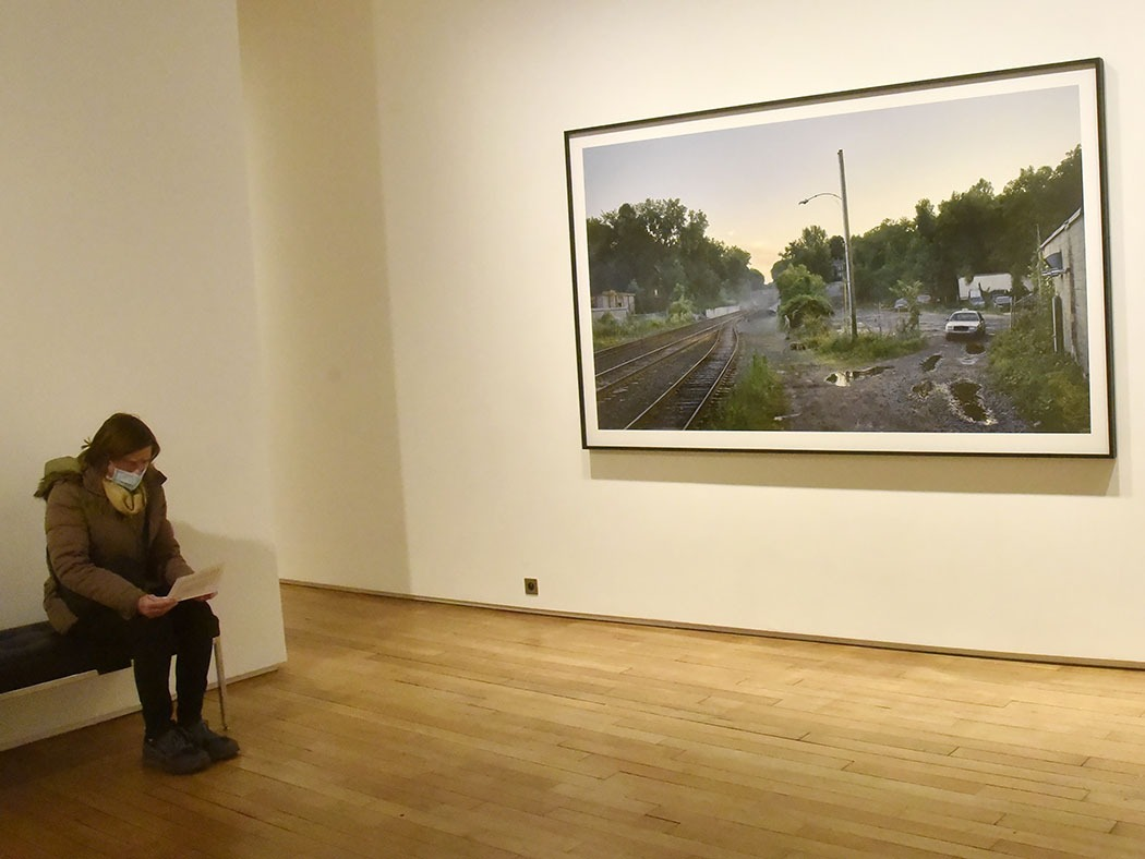 Galerie Templon Grenier St Lazare Ambiance expo Gregory Crewdson An Eclipse Of Moths