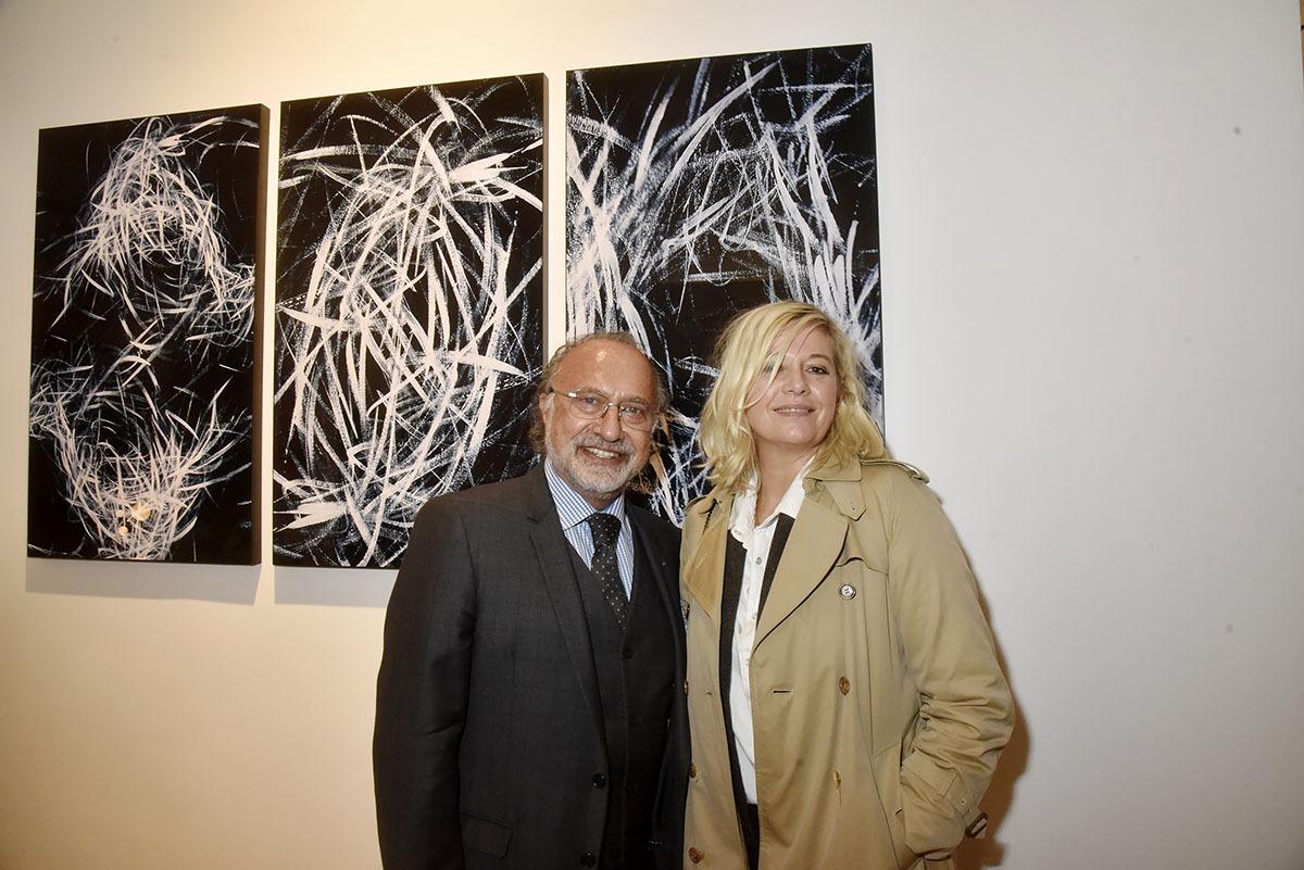 Le galeriste mais aussi photographe Olivier Dassault est aux petits soins pour Flavie Flament va t elle poser pour lui?