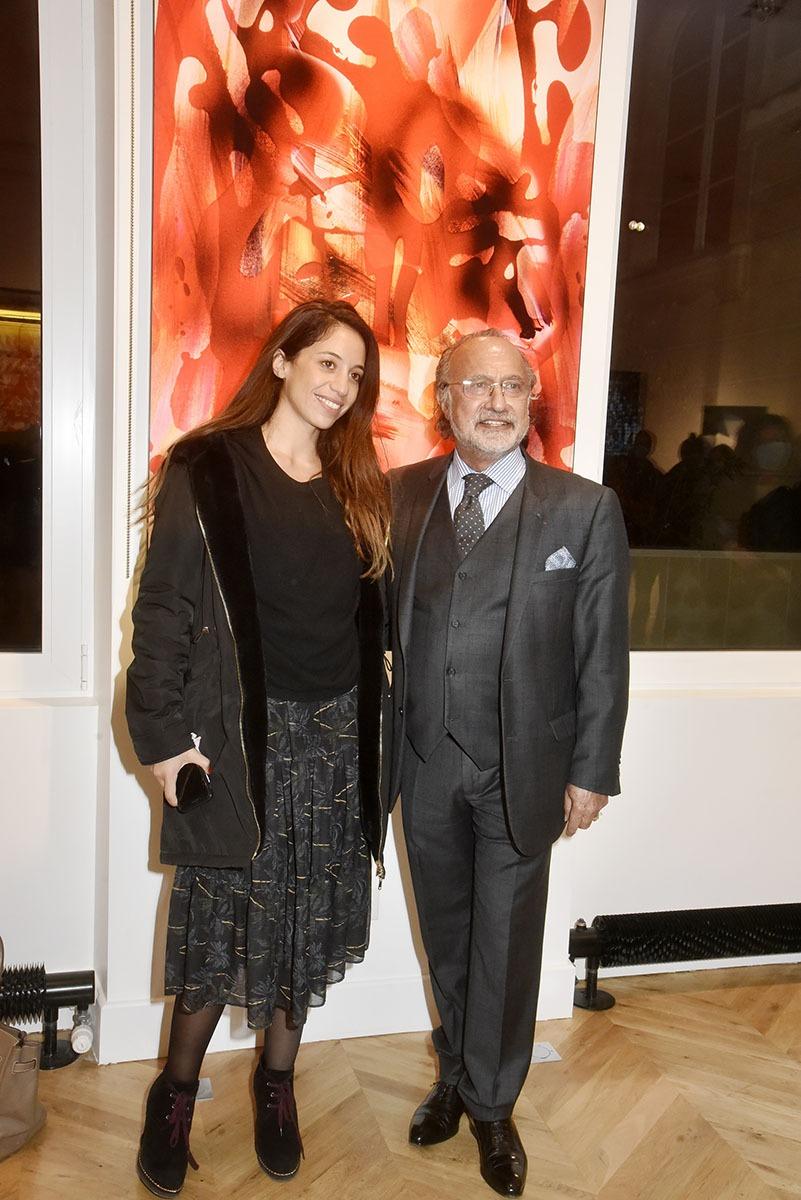 Olivier Dassault pas peu fier de ses photos ici avec Selma Naguib