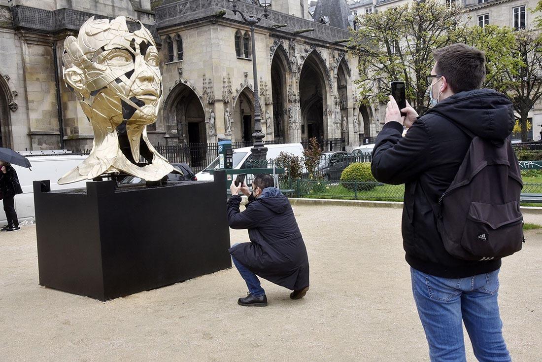 Ca alors il immortalise le photographe qui a immortalisé le Hopare d'or