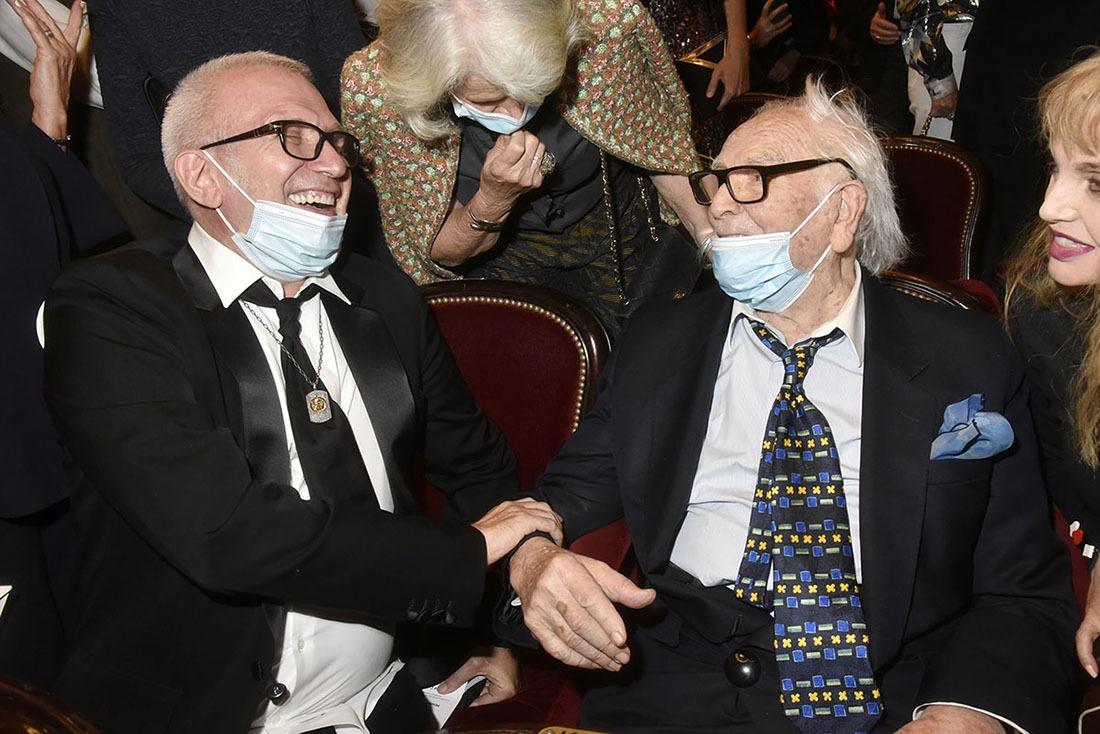 Jean Paul Gaultier ancien assistant de Cardin lui rappelle de bons chouettes souvenirs