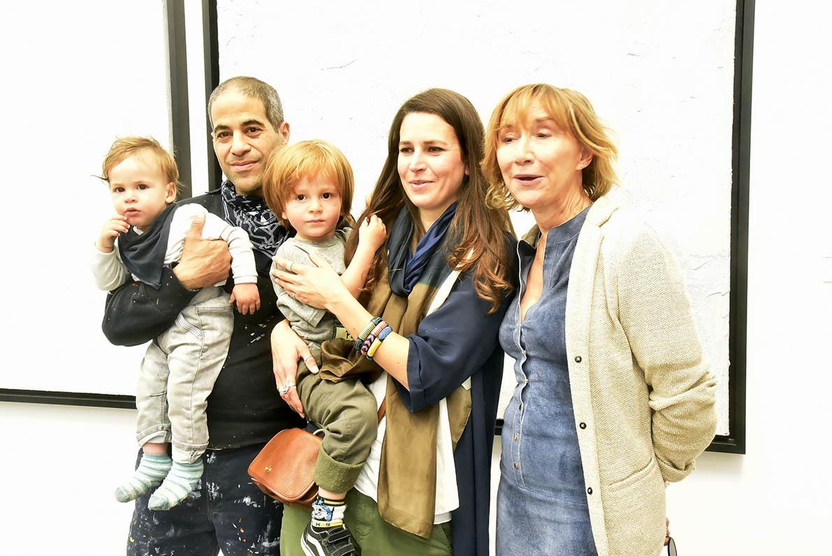 JoOne sa femme ses enfants et la nounou Marie Anne