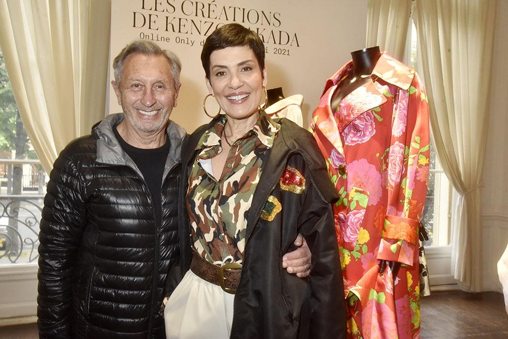 Plutot que le porte manteau, avec Cristina Cordula Angelo Tarlazzi a décroché le beau lot !