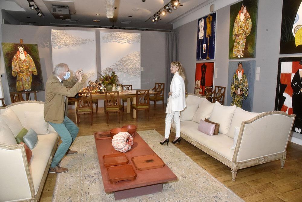 Jean Luce Huré shoote Ruth Obadia dans un authentique Kenzo décor