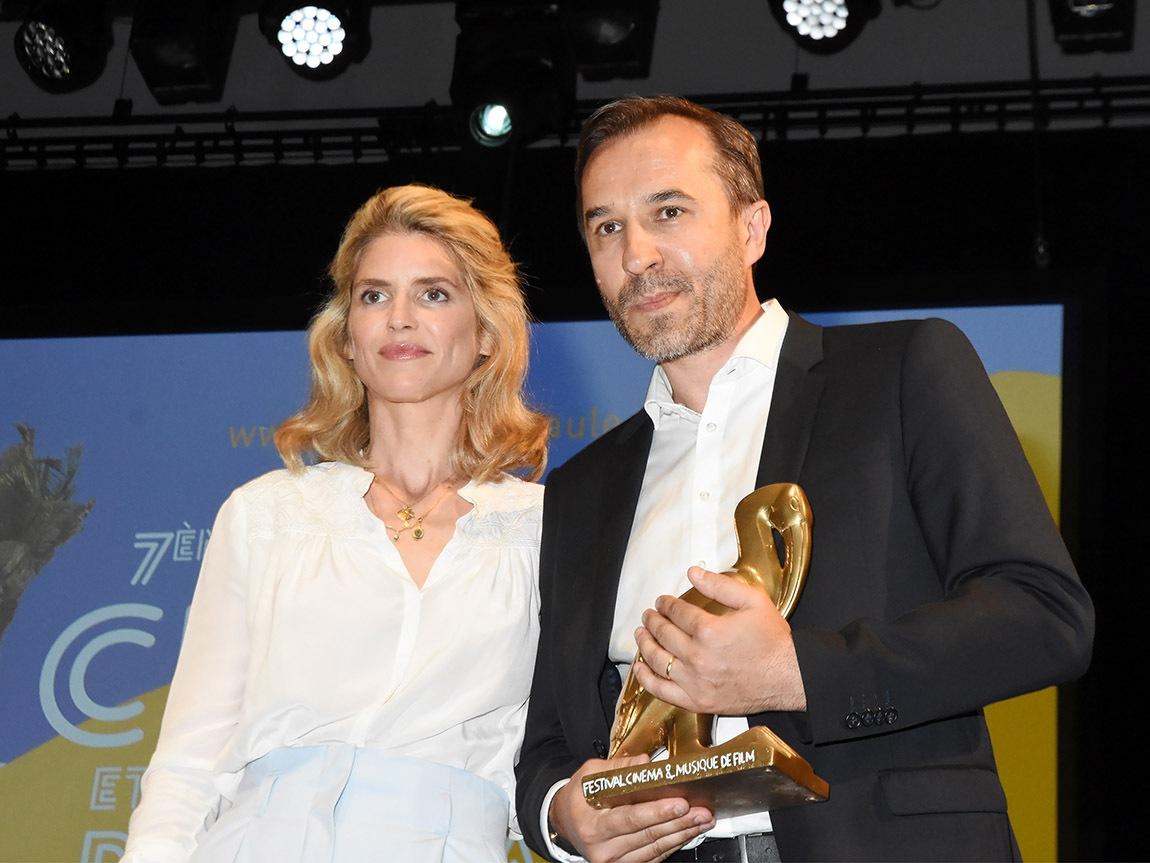 Alice Taglioni adore  « les Tuches » et a remis à Pierre Lottin qui joue dedans un Ibis pas une Autuche  bien mérité