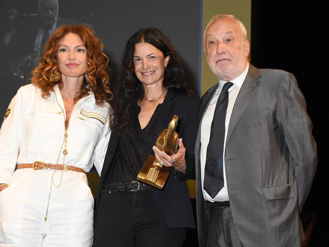 Francois Berleand et Aurélie Saada sont fan du Fleur de Tonnerre de Stéphanie Pillonca ou Deborah Francois comme Berleand y joue une serial killeuse !!