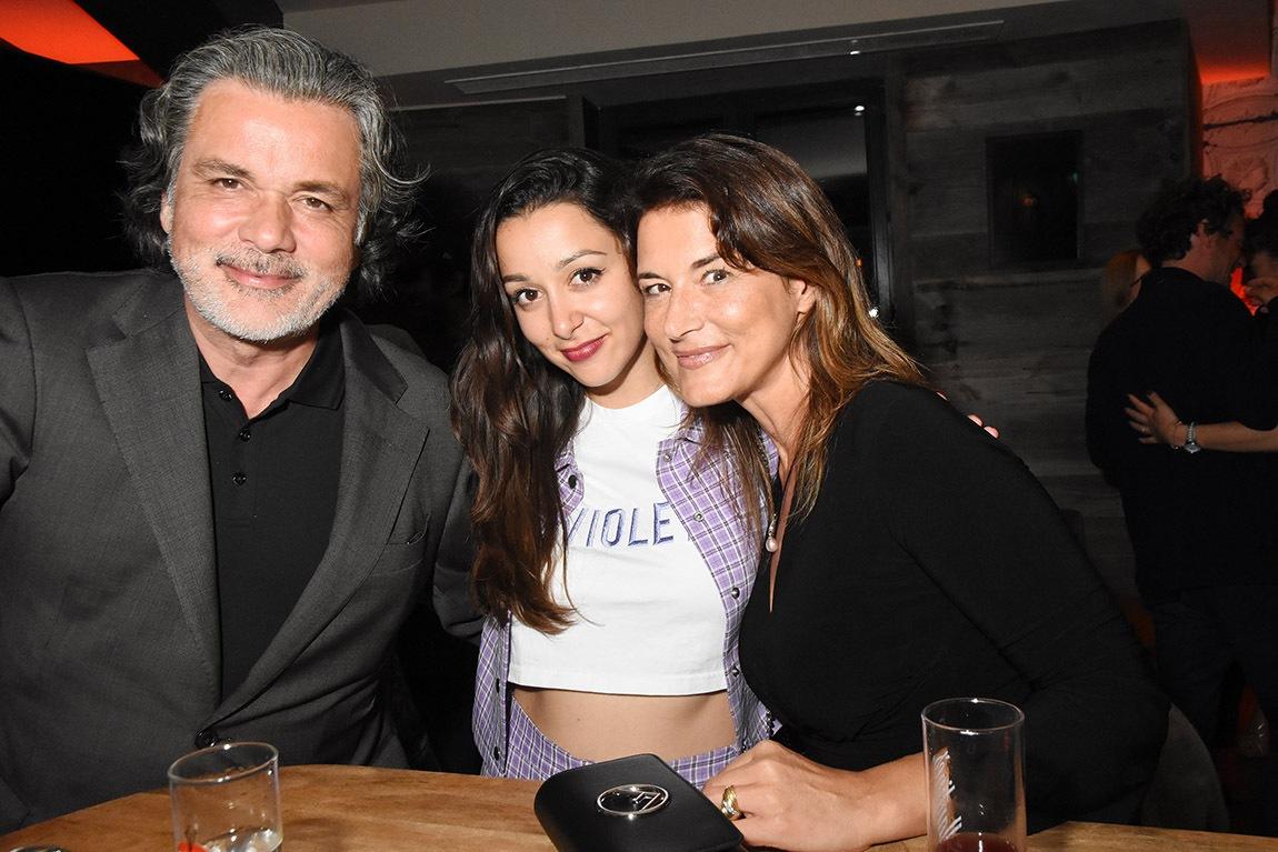 Christophe Barratier va t il realiser un film Shame and Scandal into Family avec sa fille Violette et Marion Dumas amie de mademoiselle sa fille