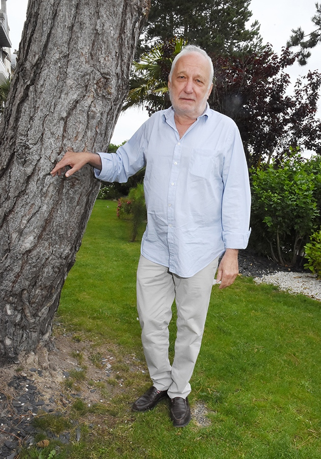 Ah Francois Berleand cet arbre de Noel indéracinable