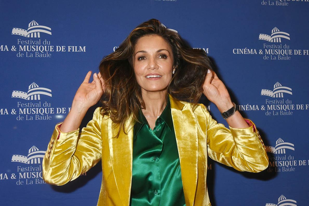 Nadia Fares vaut un prix pour ses chevelure souple et soyeuse grace au shampoing Baulereal !