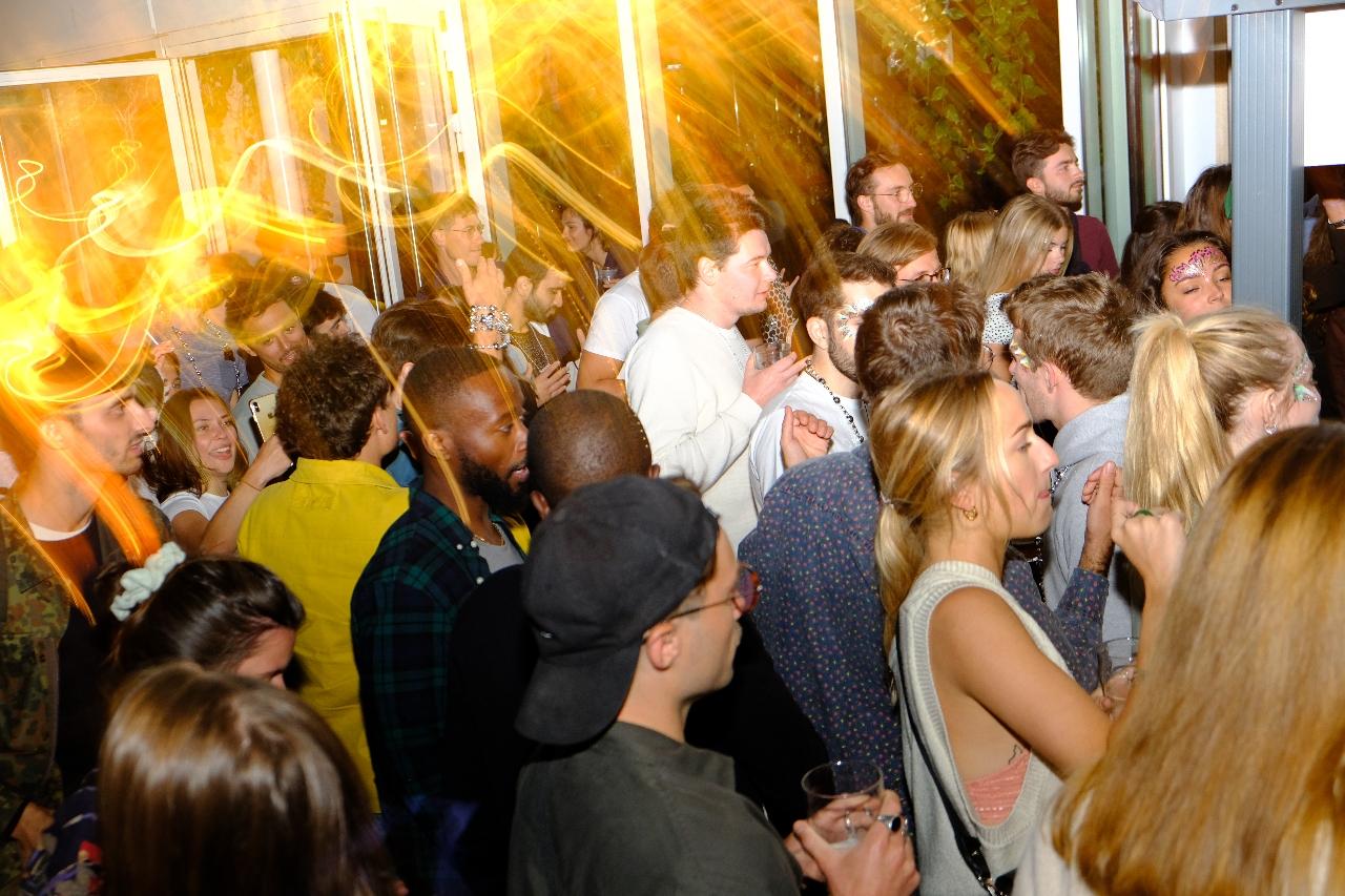 Ce soir le Perchoir prend des airs de club disco avec la soirée du Badaboum