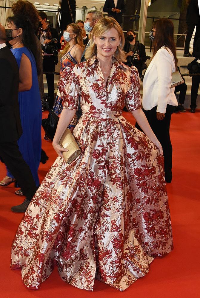 Annabelle Milot a fait un aller retour juste pour  faire fleur de tapisserie sur la red moquette !