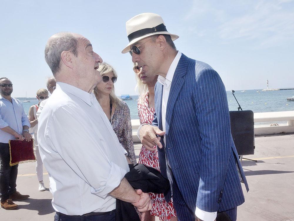Oui Pierre Lescure a vu tous les films les Zorbas les Gaugins les Barabas les Esquimaux avec avec papa Anthony Quinn