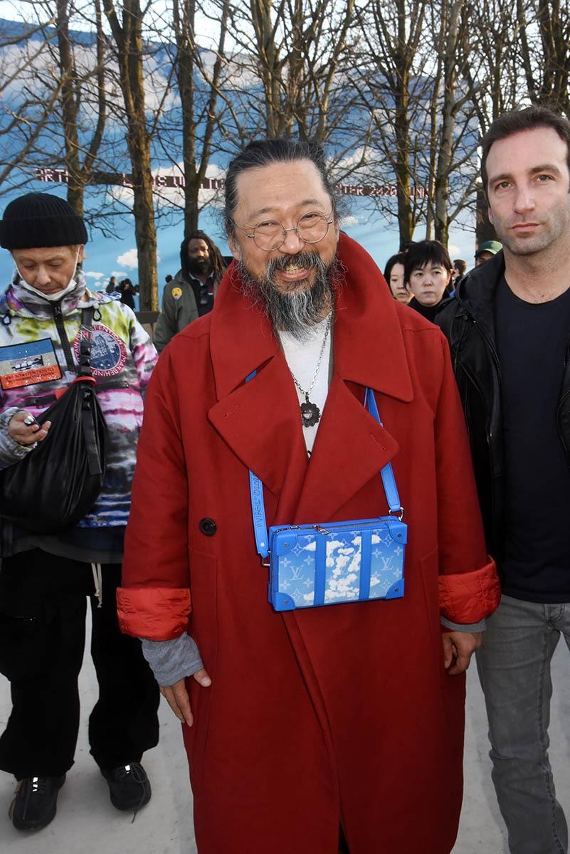 Takashi Murakami son Murakami bag et fiston de Carlos Goshn qui essaie de squatter la tof