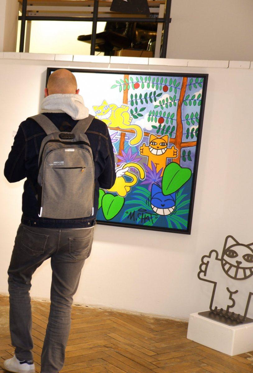 Décembre  2020, la dernière expo de M Chat est une plongée colorée dans la jungle péruvienne.